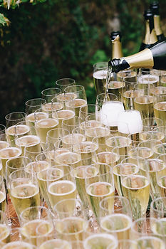 clear-champagne-flutes-2672898.jpg