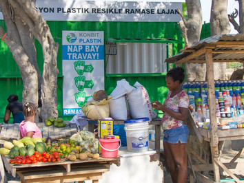The Plastic Bank – your trash someone's salary – social enterprise for recycling