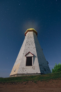 lighthouse phare night