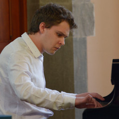 Cillian Williamson played Mvt 1 of Beethoven's Piano Sonata No. 21 in C major, Op. 53, (Waldstein Sonata)