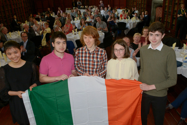 5 members of the team that will represent Ireland at the IMO 2018 in Cluj, Romania