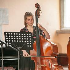 Alison Riordan plays Bach Cello suite no. 1 gigue and Dragonetti 12 Waltzes no. 3