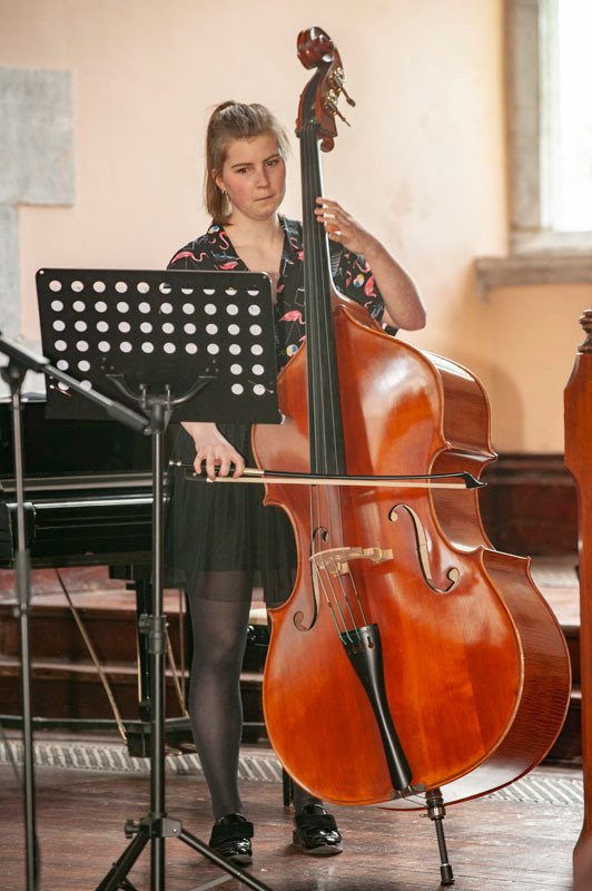 Alison Riordan plays Bach Cello suite no  1 gigue and Dragonetti 12