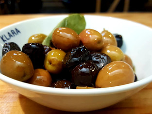 PORTION OLIVES