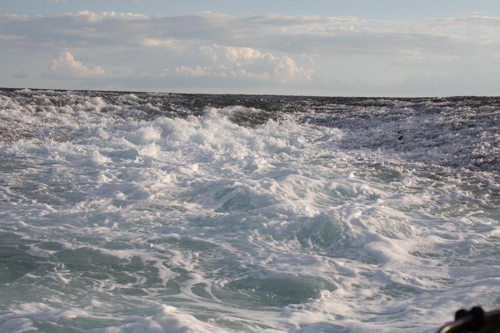 tide running off Montgomery reef