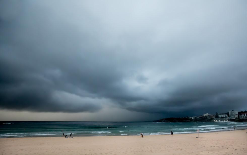 stoerm clouds, Bondi Beach