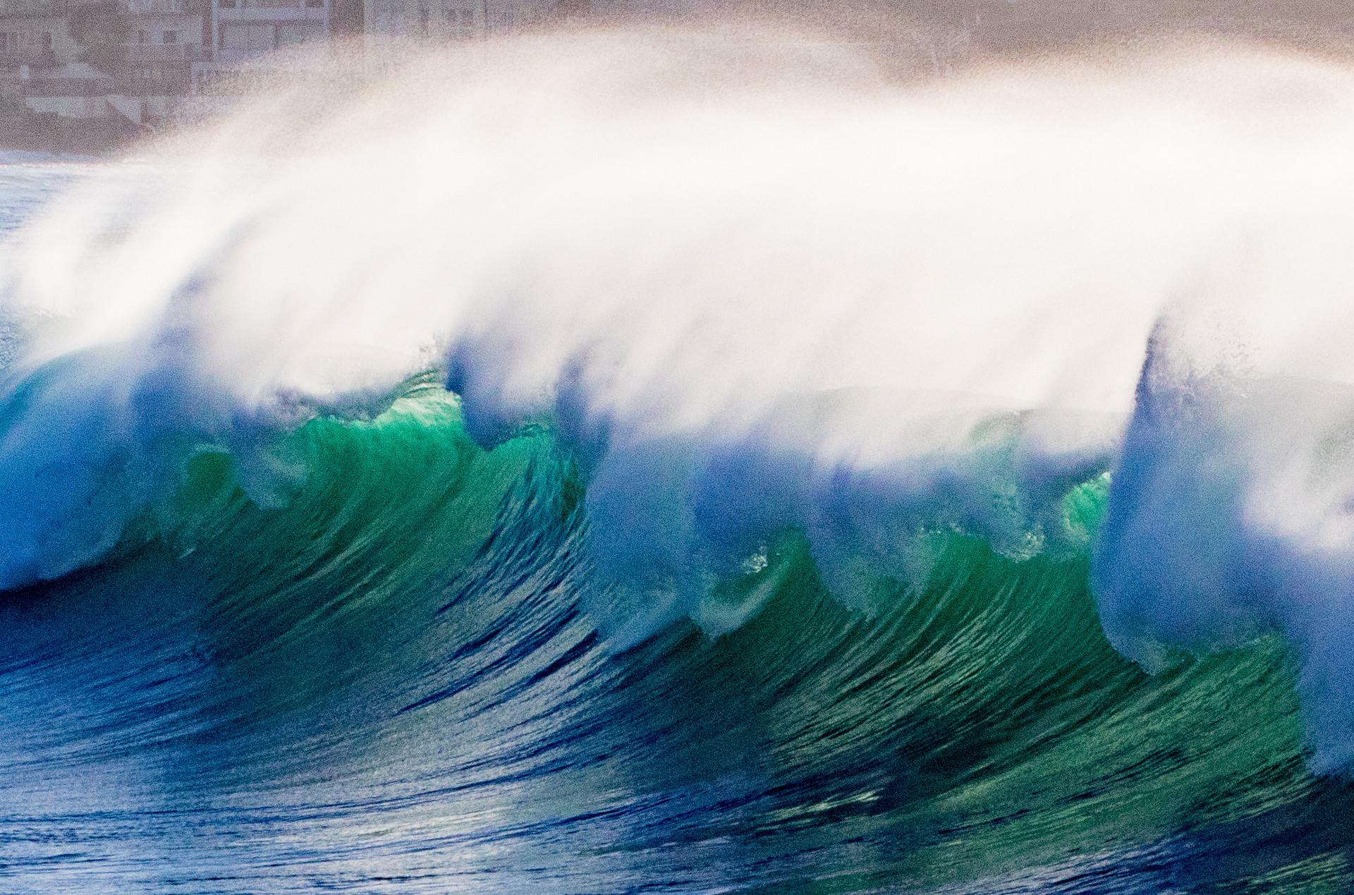 big green Bondi wave
