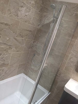 Qube Shower Bath
