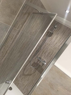 Edge Infold Shower