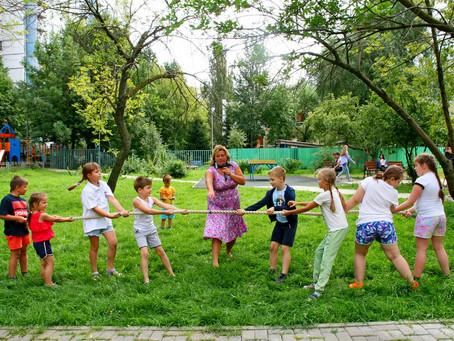 Детский праздник на День физкультурника удался! Весело, задорно, ярко! Вперёд, друзья!