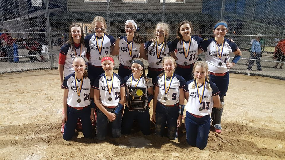 04 Lady Hitmen 2017 Aces on the Bases Gold Bracket Champions