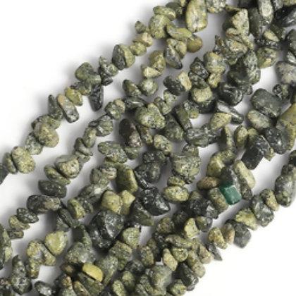 חרוזי צ'יפ אבן טבעית ירוק זית