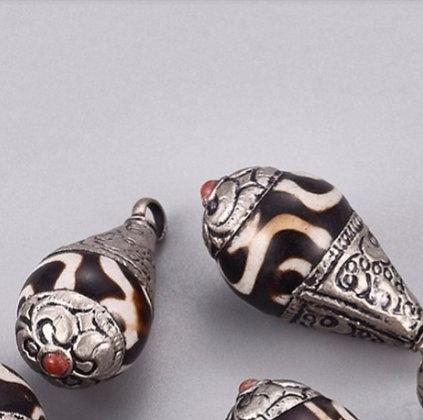 תליון עבודת יד שבטית טיבטית אבן אגת דזי