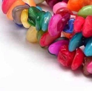 חרוזי צ'יפ צדפים צבעוניים
