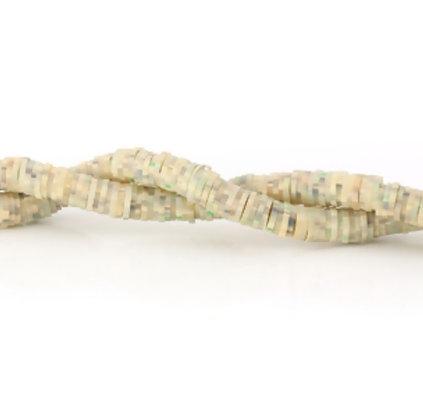 """חוט חרוזי סיליקון בצבע חול עם נקודות 5 מ""""מ"""