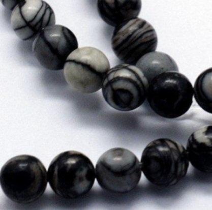 """חוט חרוזי אבן משי שחור טבעית כהה 8 מ""""מ"""