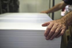 Papierstapel in der Druckerei