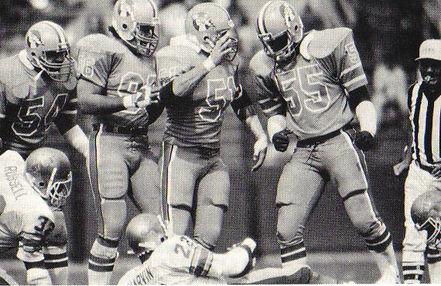 Invaders' defense led by LB Gary Plummer (51) in 1983.jpg
