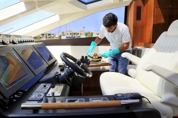 1485264922-80-sem-sem-yacht-maintenance-uae