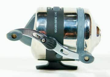 Eagle Claw Reel Titan Spincast 2BB 20lb 3.4:1