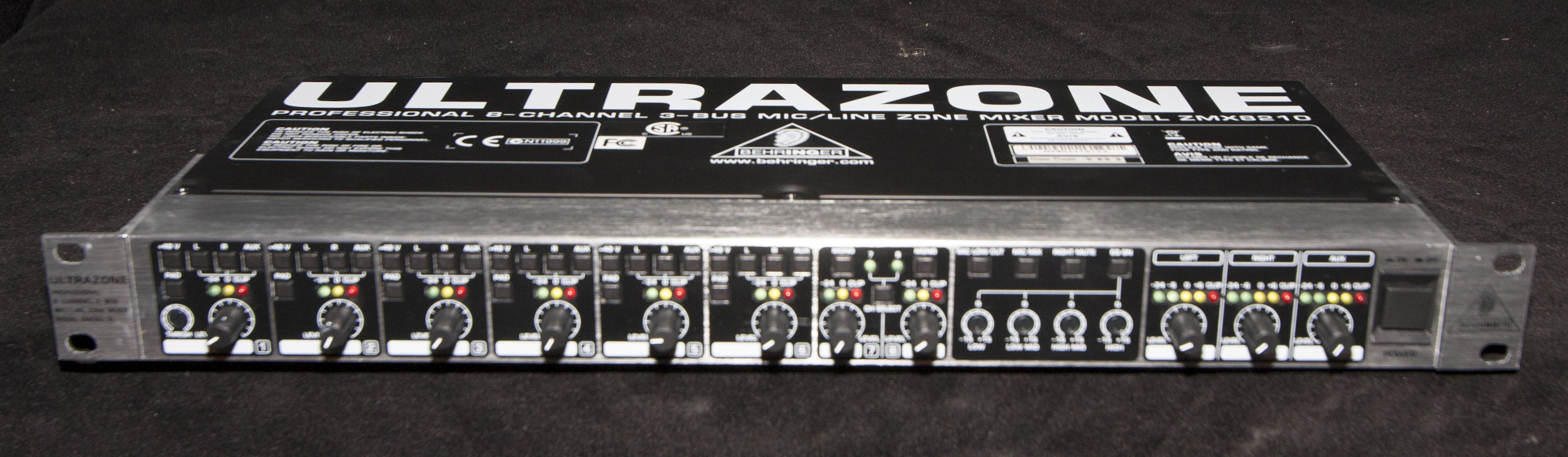 Behringer ZMX8210 Ultrazone