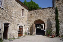 porte cochère du monastère