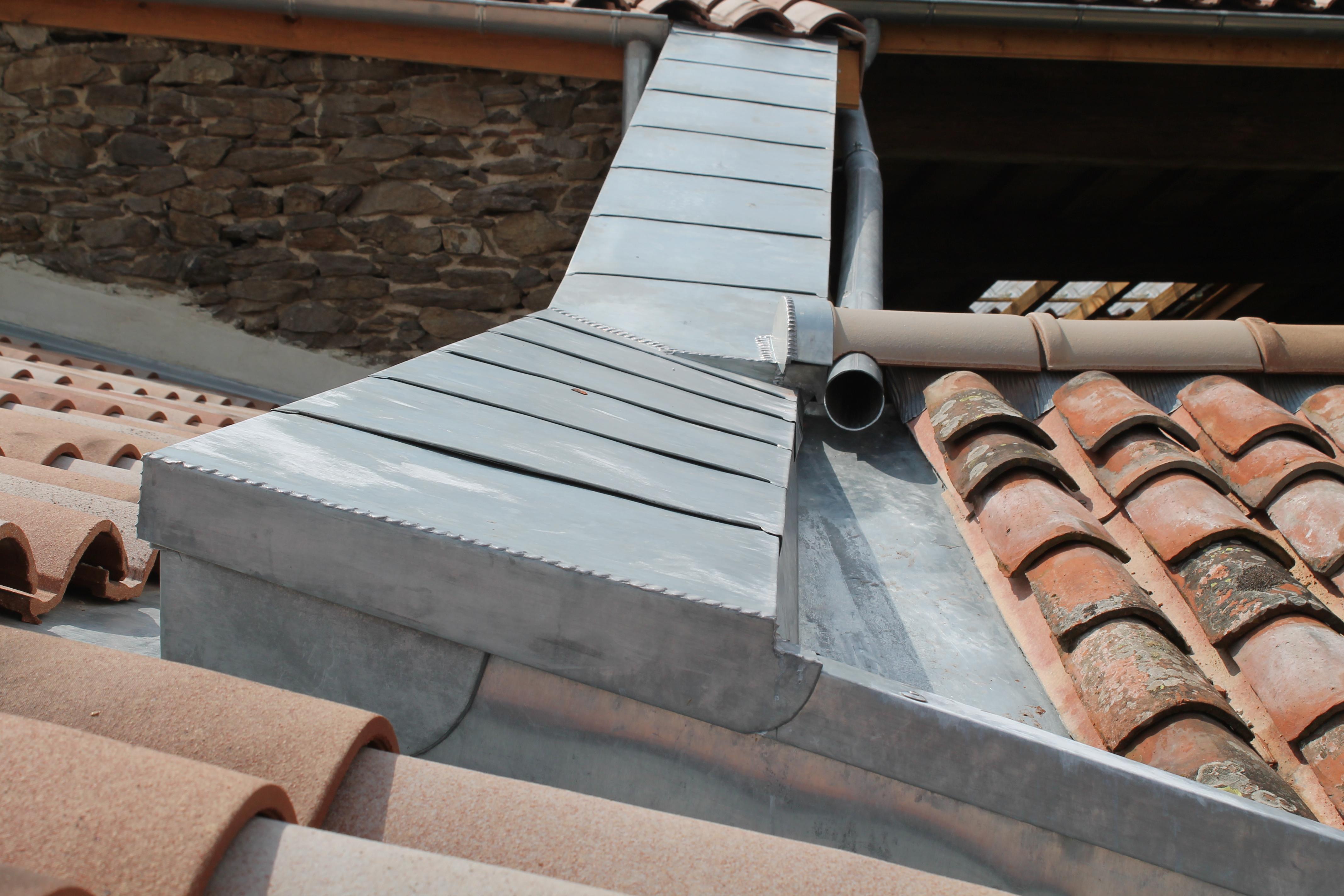 couvertine en zinc sur haut de mur