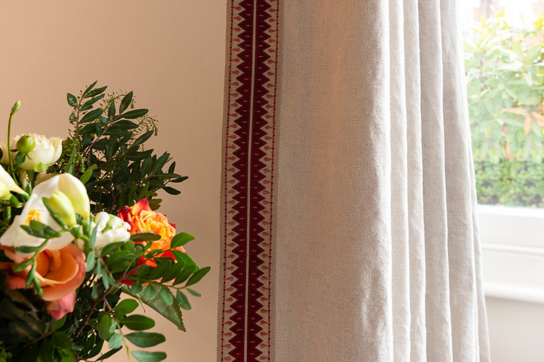 3. 201118-194 Flowers to edging.jpg