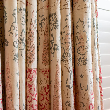 4a. 201118-277 Living room curtains clos
