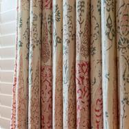 4b. 201118-283 Living room curtains clos