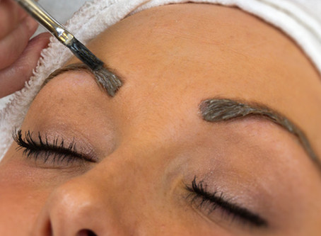 Should you try eyebrow tinting?
