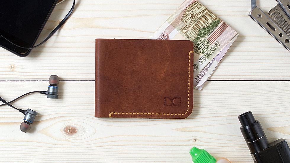 Тонкий и компактный светло-коричневый бумажник для карт и купюр