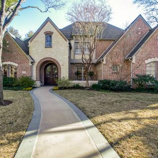 6606 Lupton Drive, Dallas