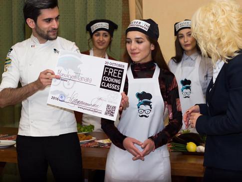 Մրցույթ խոհարարների միջազգային օրվա կապակցությամբ