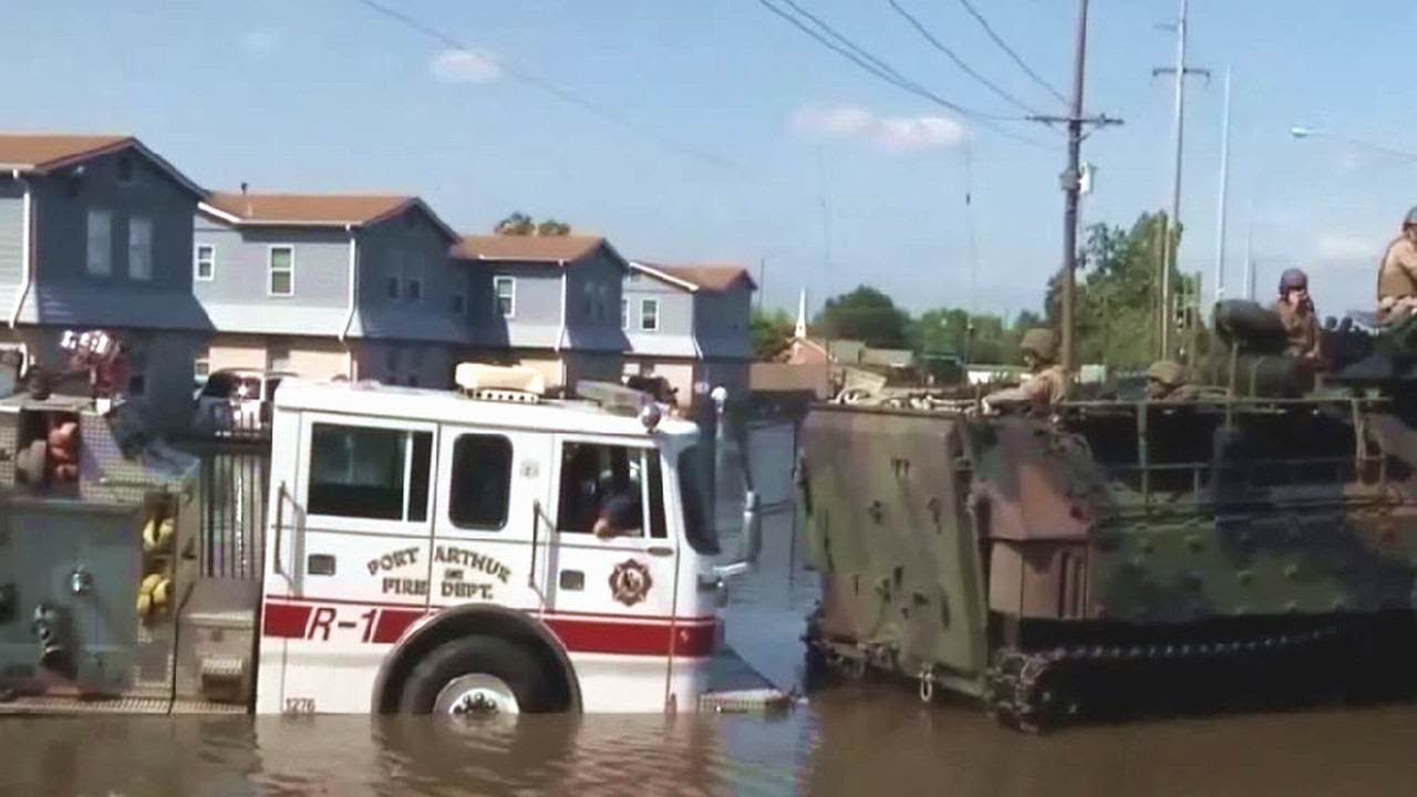 Marines rescue Harvey survivors in Port Arthur, Texas. August 31, 2017.