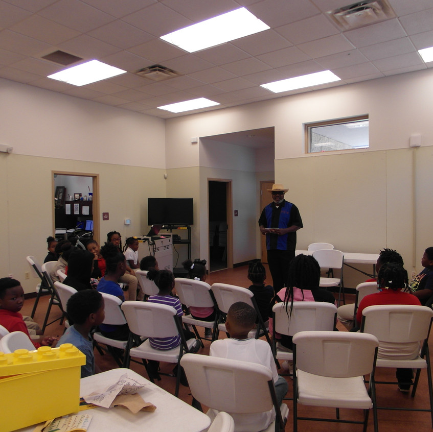Hilton Kelley Speaking to the youth