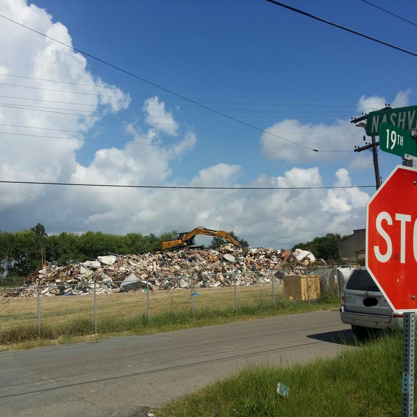 Overnight Dumpsite on Nashville Ave. & 19th St. - PA, TX