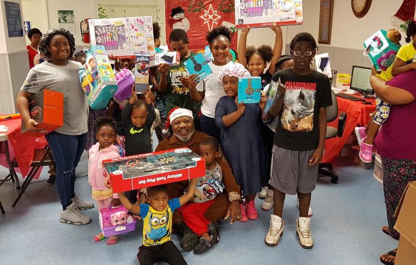 Hilton Kelley with happy kids