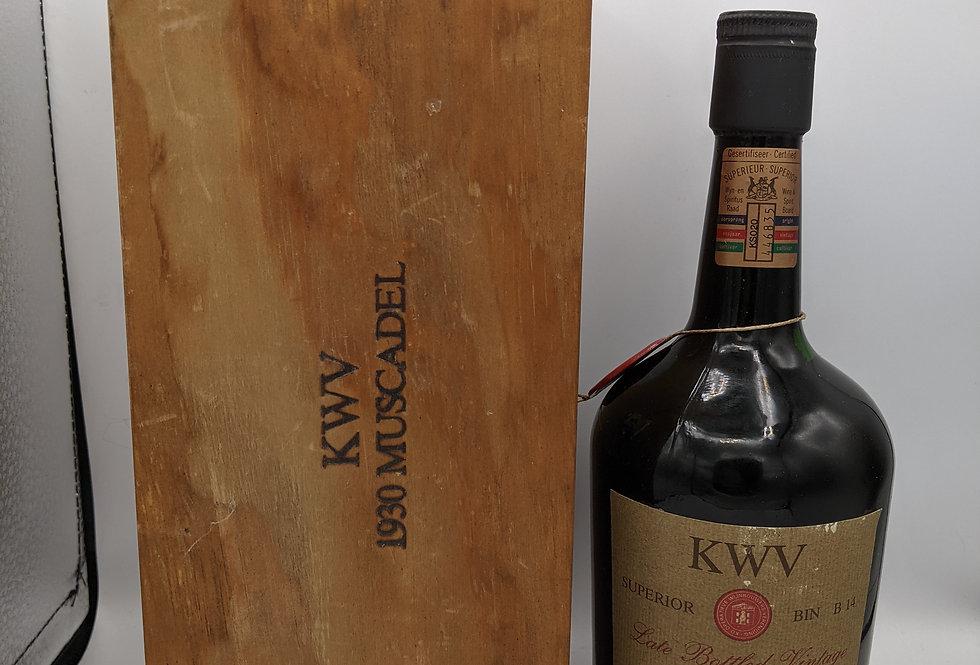 KWV late bottled vintage 1930 Muscadel boxed