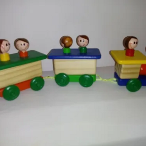 Tren Madera Vagones Con Pasajeros