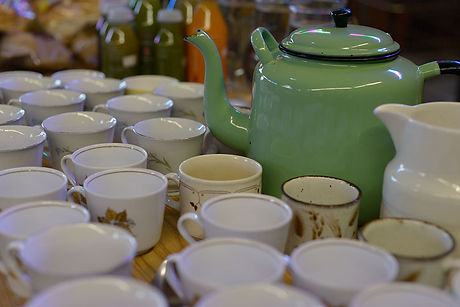 tea_cups_and_tea_pot_DSC8852.jpg