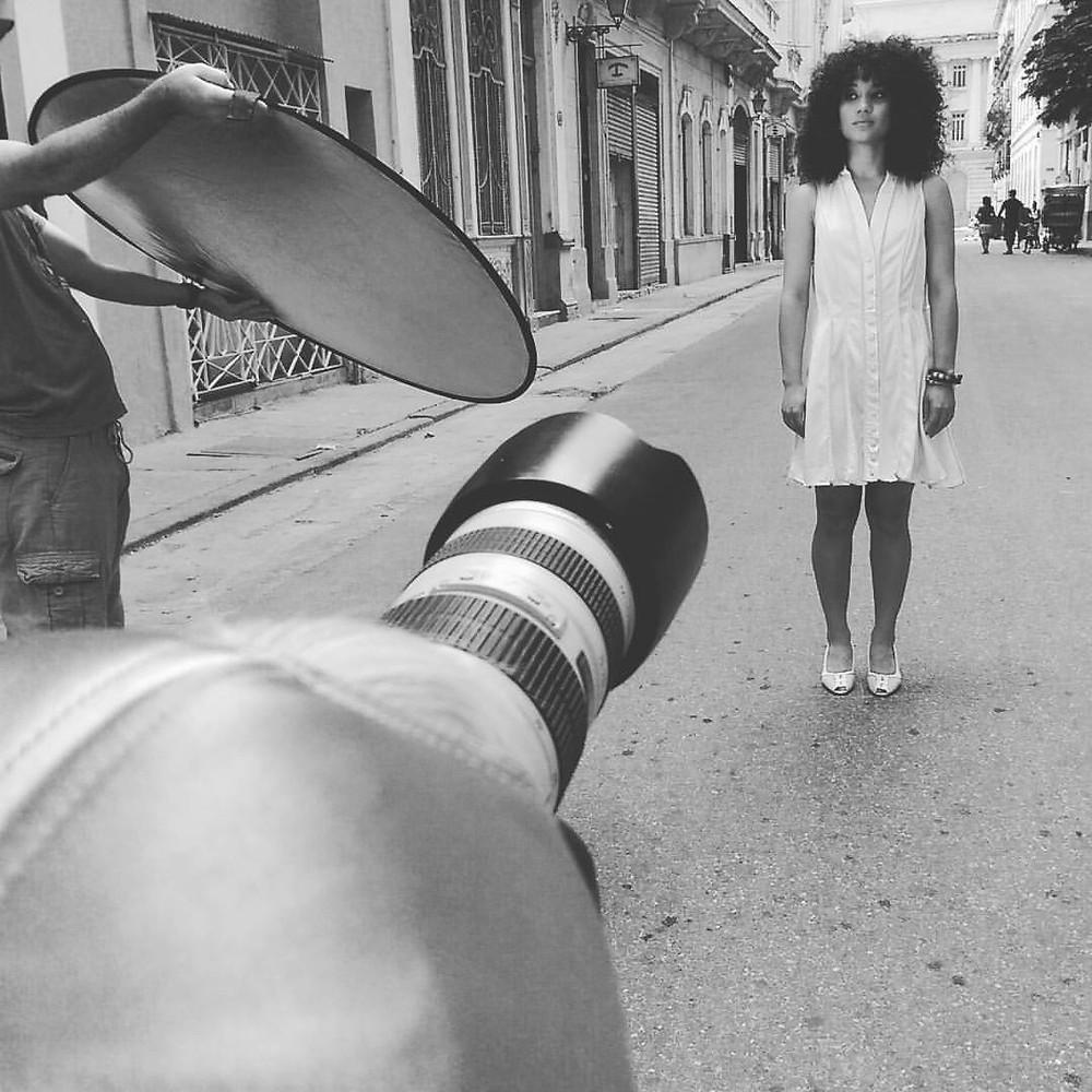 Lucas como Sara the movie poster shooting in Cuba