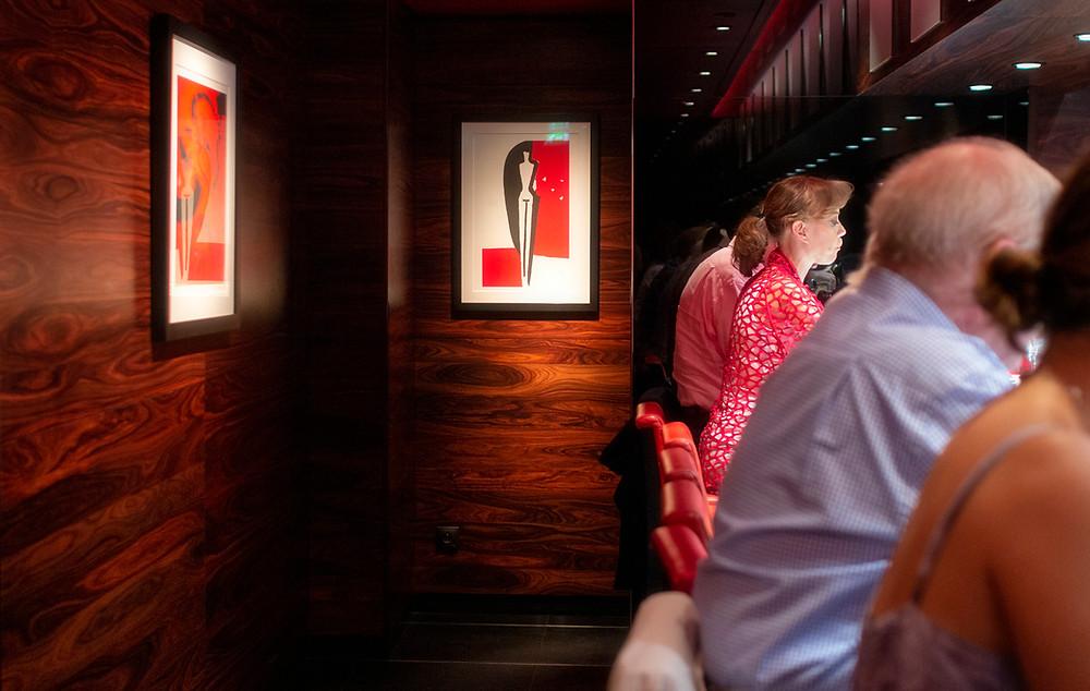 Simple black-and-red decor at L'Atelier de Joël Robuchon