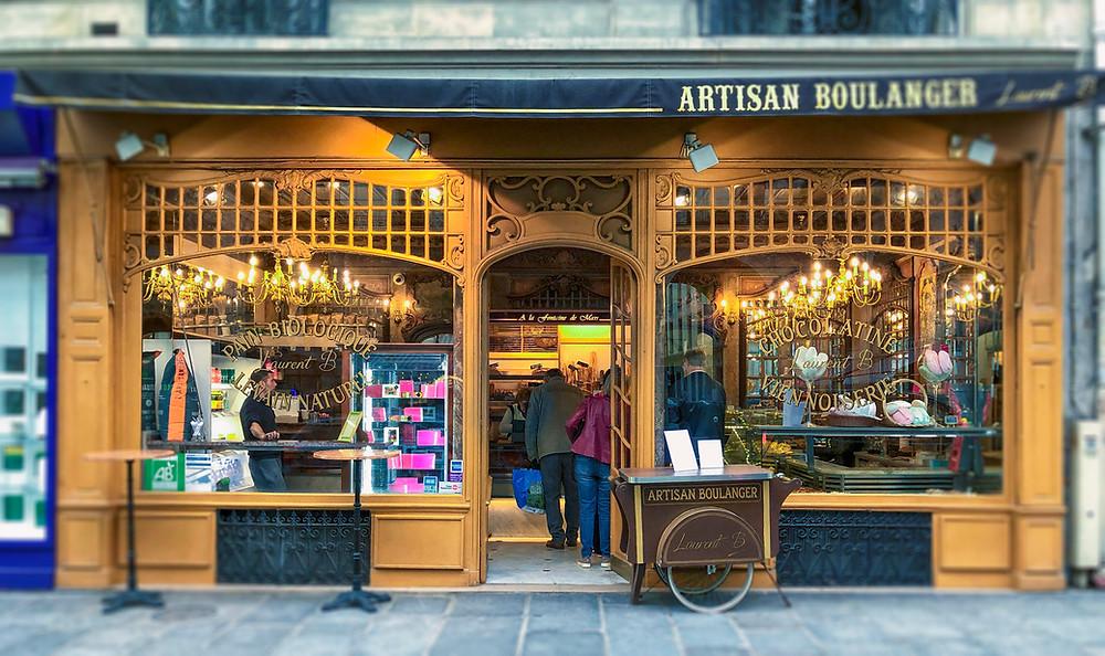 Rue Saint-Dominique boulangerie