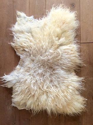 Felted sheep rug Schoonebeeker