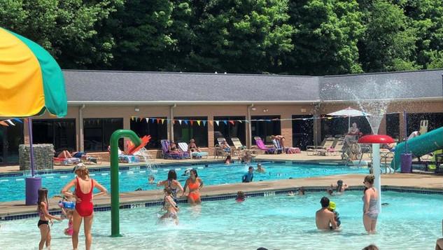Outdoor Pool Pic c.jpg