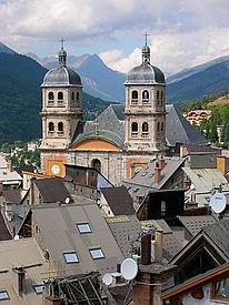280px-Collégiale_Notre-Dame-et-Saint-Nic