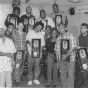 Shaggy, his band and Pat Campbell. 2000.