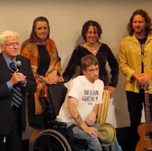 """Phil Donahue, Tomas Young, Cathy Smith (Tomas' mother), Ellen Spiro and Eddie Vedder at premiere of """"Body of War"""". Isabel Bader Theatre. TIFF 2007."""