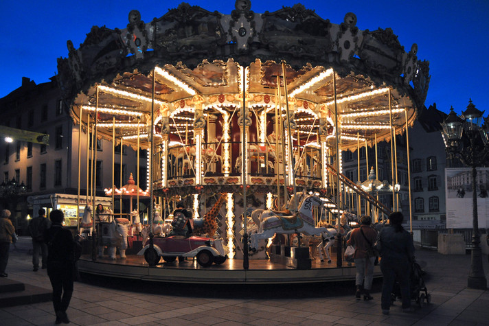 Merry Go Round -  BETTY ZANELLI